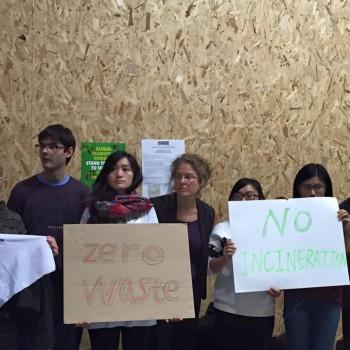 2015-12-07-12-32-57-silent-protest---Copy