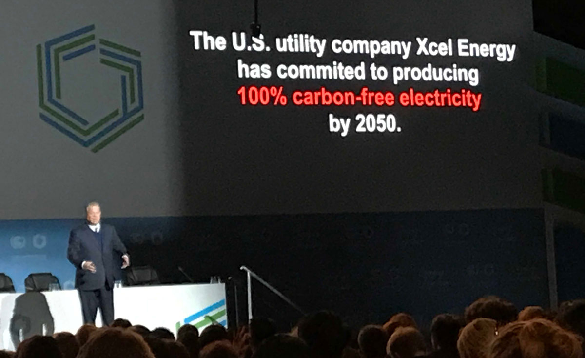 Al Gore recognizing Xcel Energy in presentation