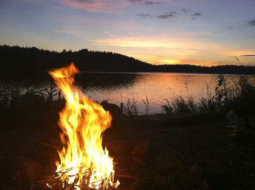 campfire at lake-thumb-525x392-14607